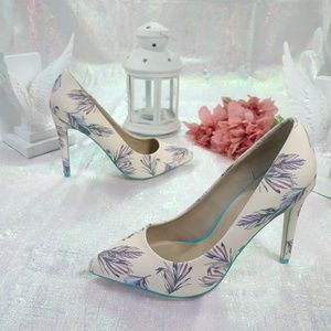 """Mix No. 6   """"Lill"""" feather pointed toe pumps"""